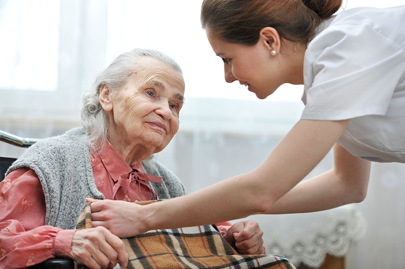 Care worker's lacking 'collective voice', report finds